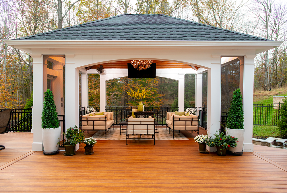 luxurious outdoor sitting area