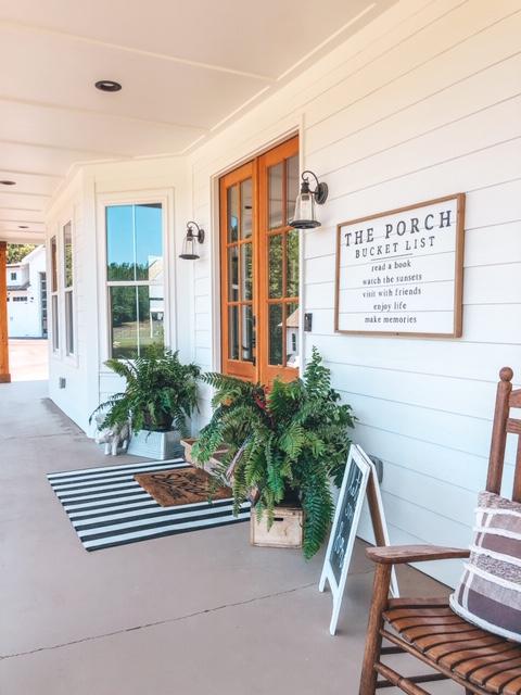 farmhosue porch